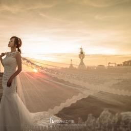 【婚紗攝影】婚紗照姿勢與道具的完美搭配-拍出超動人婚紗照的秘訣