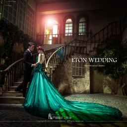 【自助婚紗】墨綠色禮服取景地點x道具搭配懶人包
